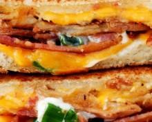 sandwich pommes de terre chips lard cheddar
