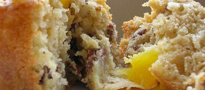 Muffins aux pêches et noix de pécan